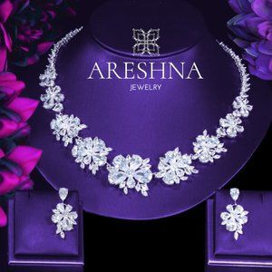 Luxury Swarovski Crystals Floral Jewelry Set